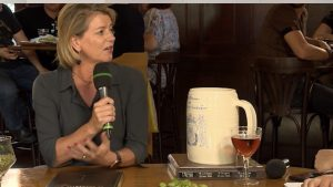 margot haest interview bij bierfestival Zuid-West TV